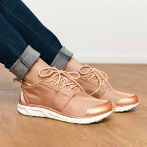 Brand New Rose-Gold Set Session Sneakers